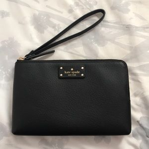 kate spade wristlet. never perfect condition!